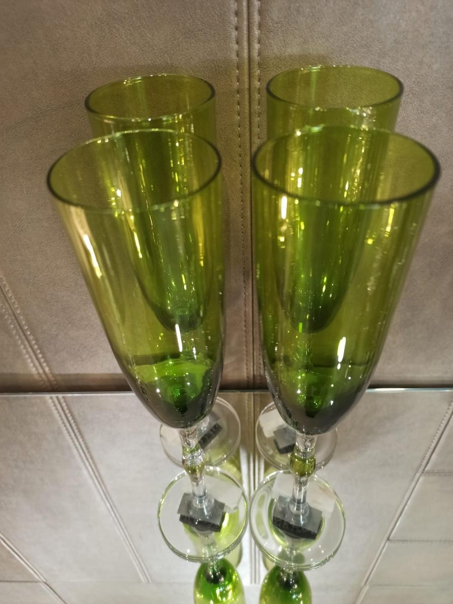 Conjunto de taças para vinho verde