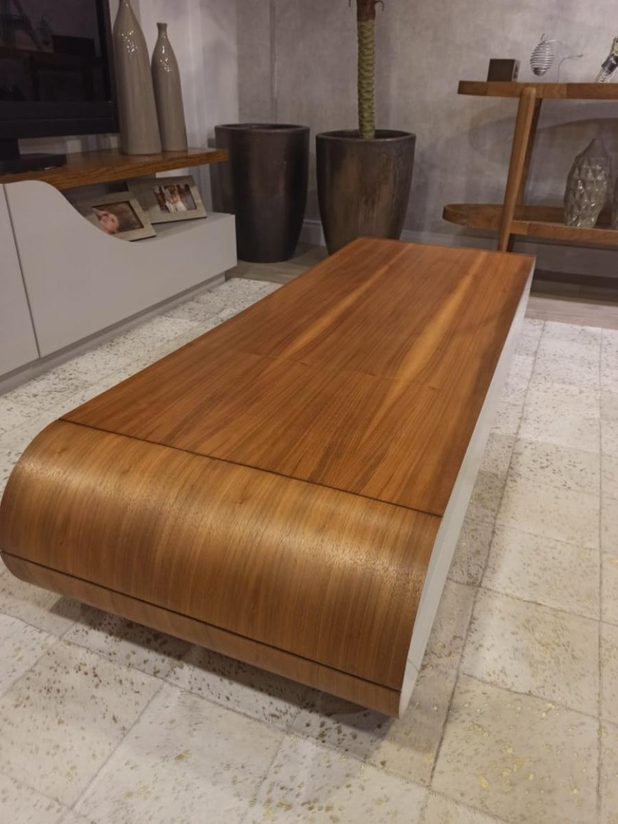 Mesa de centro laca e madeira